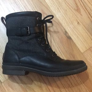Ugg Kesey boot. Black, size 8.
